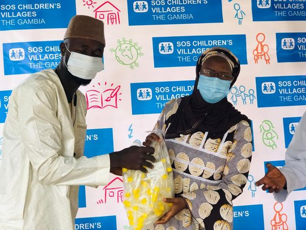 """Give Back Gambia"" donates to SOS Mother and Child Clinic Bakoteh."